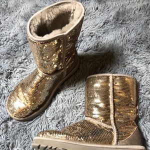 UGG Boots in Champagne / Gold Sequins